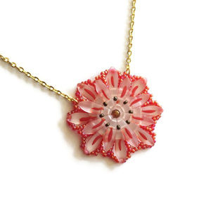 Jewelry - Red & White Frosted Dahlia Medallion Necklace